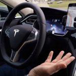Finalizó la investigación por el accidente fatal de un Tesla: ¿quién es más seguro al volante, el hombre o la máquina?