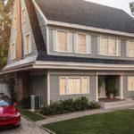 """El techo solar """"invisible"""" de Tesla cuesta menos que uno normal y tiene garantía de por vida"""