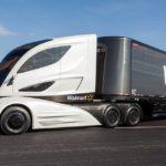 """Tesla comenzará a probar """"pelotones"""" de camiones autónomos"""
