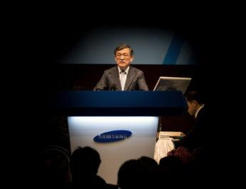 """El CEO de Samsung dice adiós en medio de """"una crisis interna sin precedentes"""""""