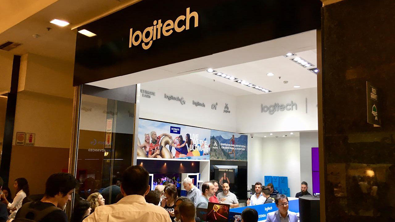 Inauguración Logitech Store Unicenter