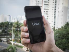 Uber ahora permitirá pedir un taxi: ¿cómo marcará el precio?